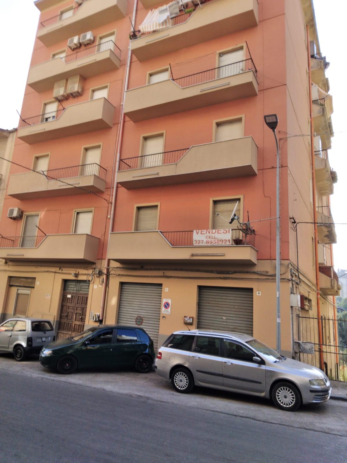 Appartamento e box in Via N. Colajanni